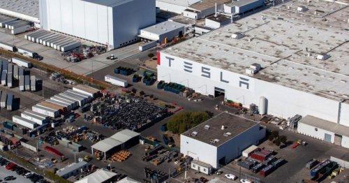 Dems propose new $12,500 electric car rebate, Tesla left with $4,500 disadvantage