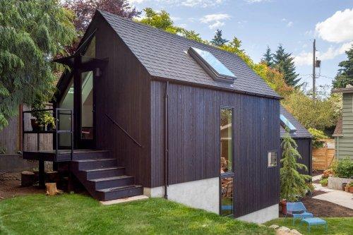 Cette mini maison en bois de 53m2 était autrefois un garage