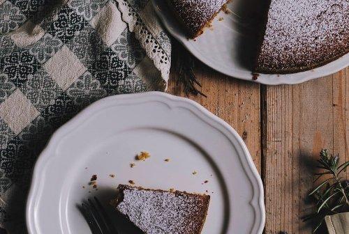 Jamaican Desserts - Black Cake, Rum Cake and More!