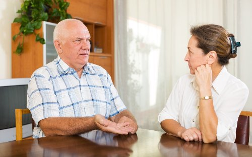 If You Notice This When Talking, It Could Be an Early Dementia Sign, Study Says