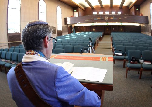 Bay Area synagogue doors start to swing open again