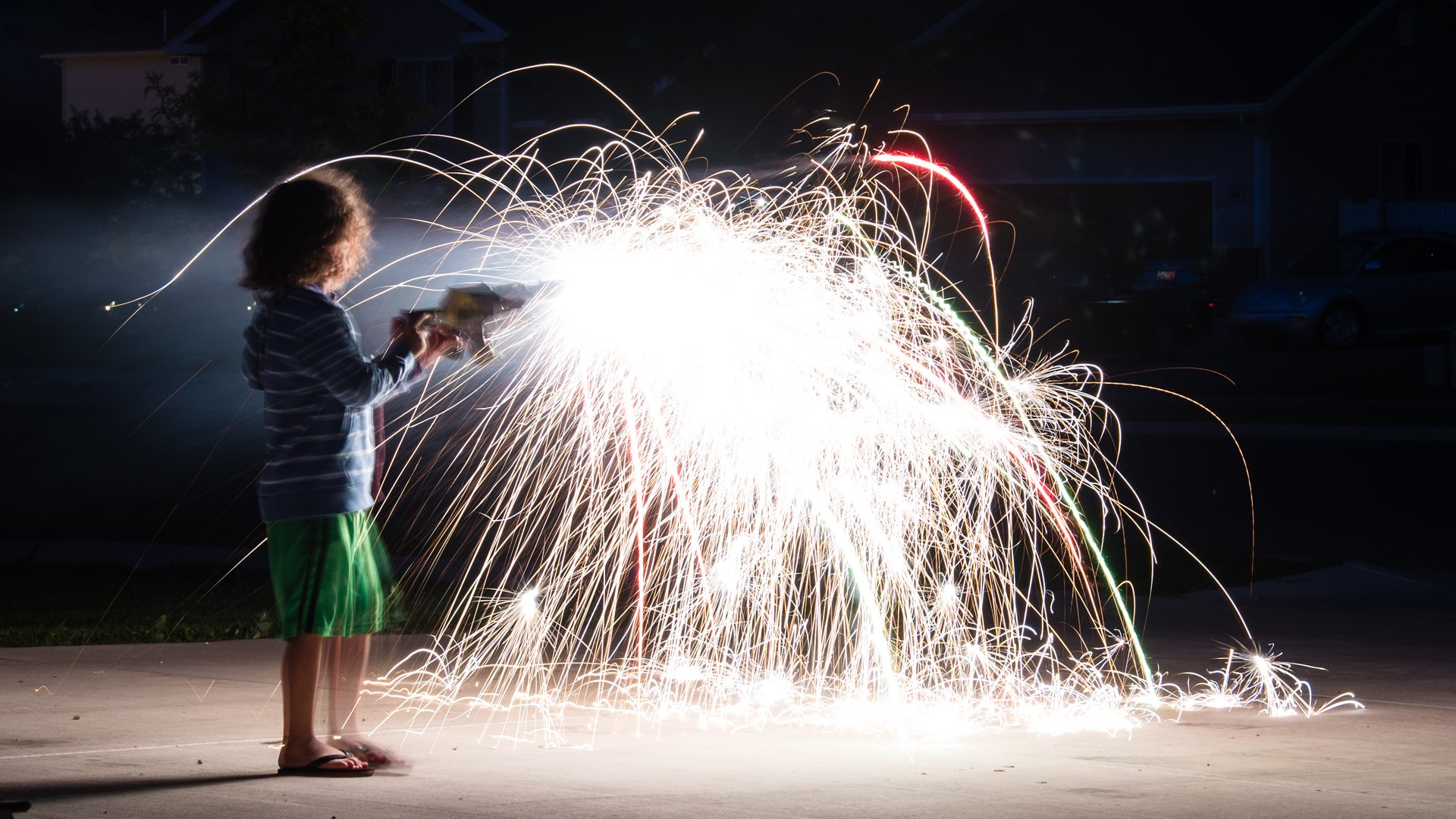 Quick Tip: Use Sparklers to Get Exposures Right for Fireworks   Photofocus