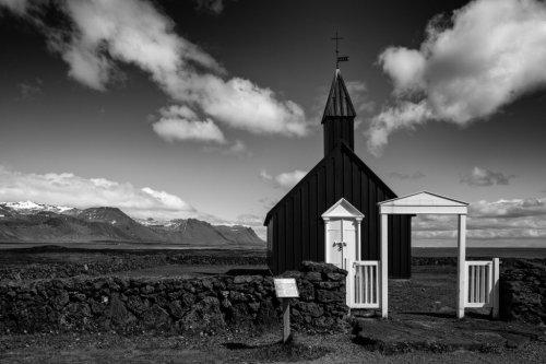 Kirche schwarz-weiss – Island – WeeklyBoys 2021_24
