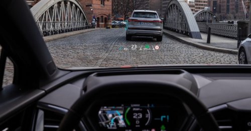 Audi unveils the interior of the Q4 e-tron electric SUV with impressive head-up display, and more - Electrek