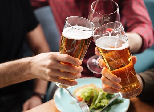 13 Best Non-Alcoholic Beers for Zero-Proof Drinking | Eat This Not That