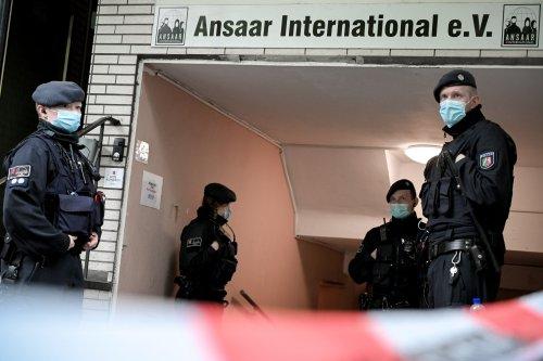 Berlin Outlaws Muslim Organization For Alleged Link To Terrorism - Smartencyclopedia