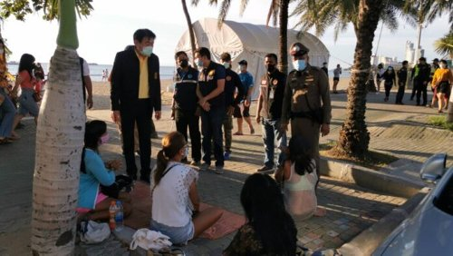 Pattaya officials, law enforcement begin beach inspections, warn drinking alcohol on beach could see up to a year in jail, huge fines - The Pattaya News