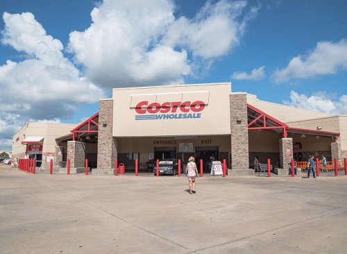 The Best & Worst Menu Items at Costco's Food Court   Eat This Not That