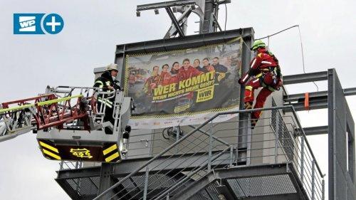 Feuerwehr Siegen wirbt im Großformat für das Ehrenamt