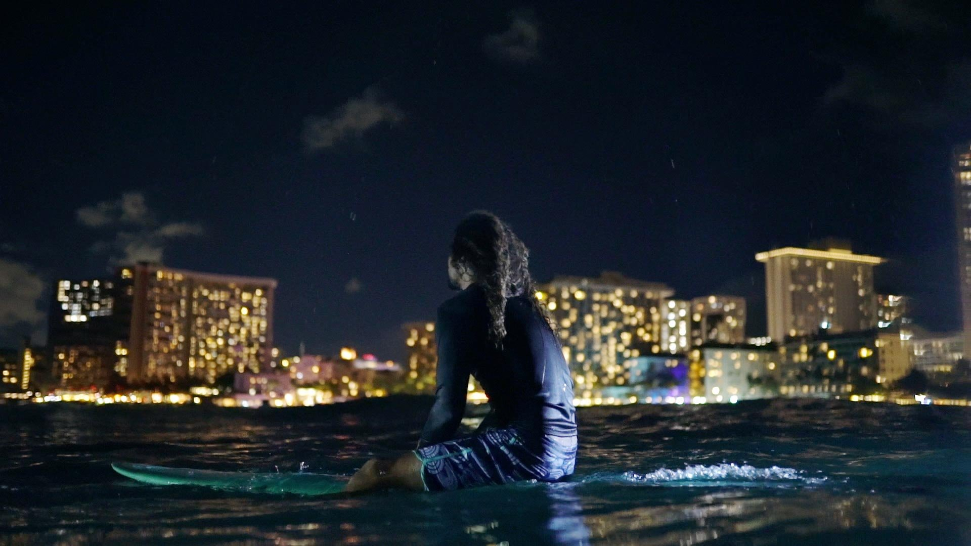 Night Riders: Surfing After the Sun Sets » FLUX