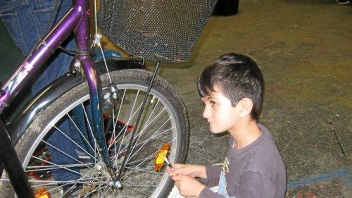Flüchtlingsfonds Ennepetal verteilt Fahrräder an Bedürftige