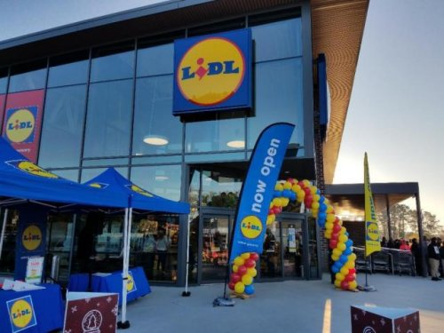 Lidl deals May 5-11: Roses, tulips, lemons, spinach, grass fed ground beef, chicken thighs, cereal