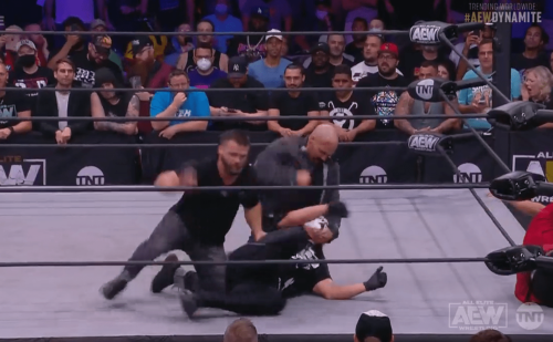 Sting attacked and facepaint wiped off by FTR and Tully Blanchard on AEW Dynamite