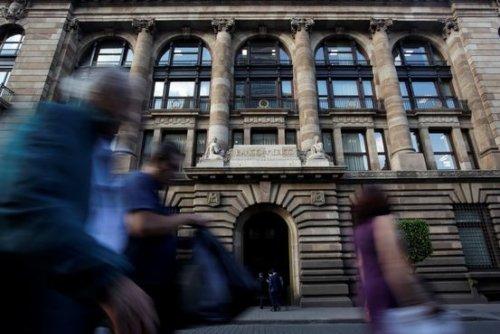 Bank of Mexico Raises Interest Rates in Split Decision
