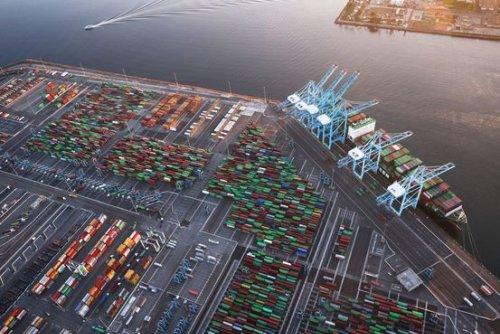 U.S. Supply Chain Struggles to Adapt as Delays Worsen