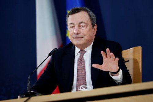 Mario Draghi Helps Pave Way for Italian Bank Mergers