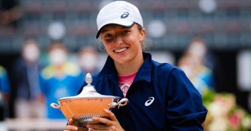 Swiatek whitewashes Pliskova to capture Rome title and break Top 10