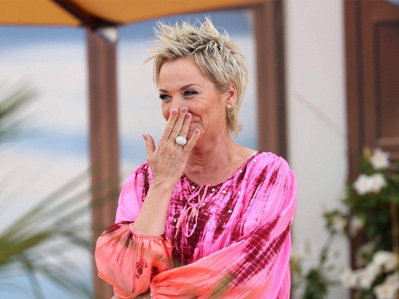 Nackt Antonia Hemmer  'Bauer sucht