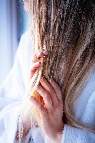 Diese fünf Shampoos gegen Haarausfall helfen wirklich