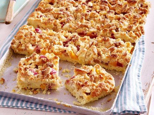 Pfirsichkuchen vom Blech: Vier Rezepte mit Pudding & Co. | Wunderweib