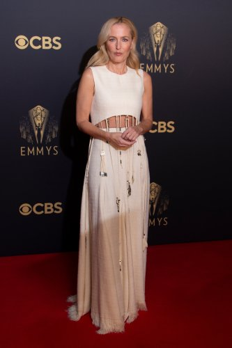 """Gillian Anderson of """"The Crown"""" Wins Emmy in Custom Chloé Gown"""
