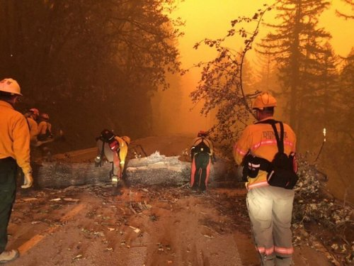 """National Weather Service Warns That Thunderstorms Forecasted in Southern Oregon """"Will Likely Result"""" in New Fires"""