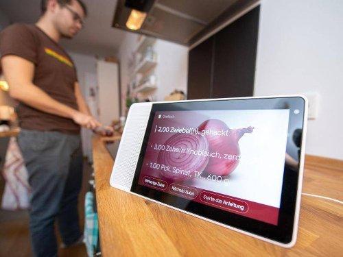 Interaktion mit Technik: Neue digitale Beziehungen: Mein Freund, der Sprachassistent?