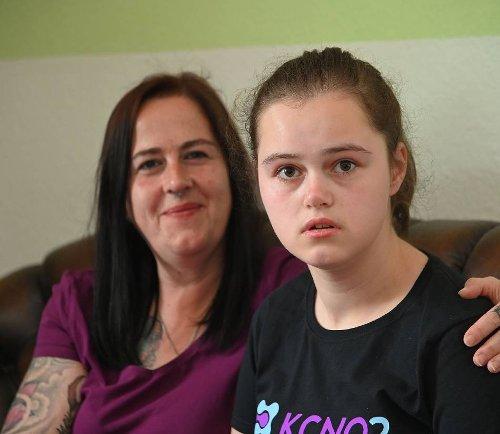 Mutter klärt über Krankheit auf: Jordan (15) lebt mit dem seltenen Gendefekt KCNQ2