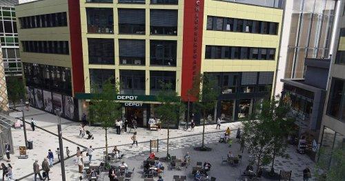 Von-der-Heydt-Platz in Wuppertal: Frühstück zwischen Tauben und Lieferverkehr [WZ+]