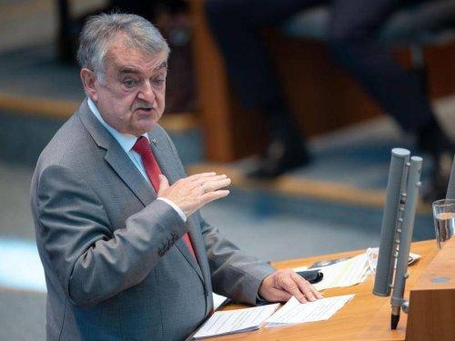 """NRW: Reul zu Laschets Wahlzettel: """"Geheimnis ist überschaubar"""""""