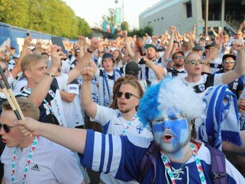 Fußball-EM: Kleine Chance, große Freude: Finnland-Party trotz Niederlage