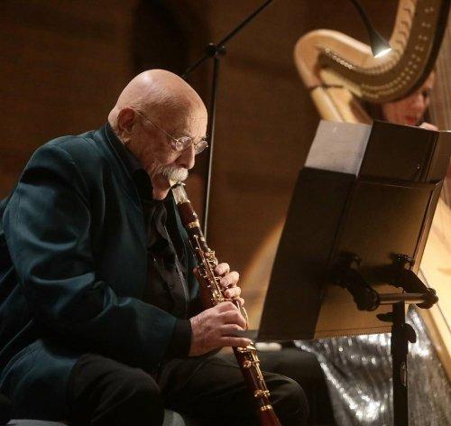 """Konzert in der Friedhofskirche: Giora Feidman: """"König des Klezmer"""" setzt in Wuppertal auf Improvisation"""