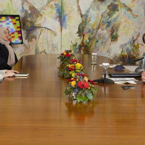 Gespräch in der Villa Hammerschmidt: Bundespräsident Steinmeier empfängt Krefelderin in Bonn