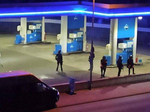 Schießerei: Bewaffneter erschießt Angestellten einer Tankstelle