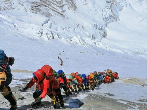 Abenteuer Bergsteigen: Wieder großer Ansturm auf den Mount Everest