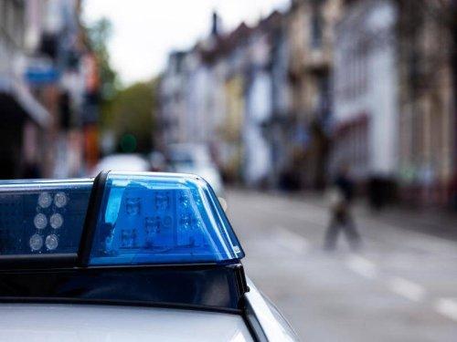 NRW: Betrunkener Mann tritt Rettungssanitäter gegen Kopf