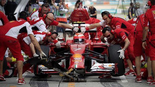 Как механикам удаётся так быстро менять колёса в болидах Формулы-1 | АВТО INFO
