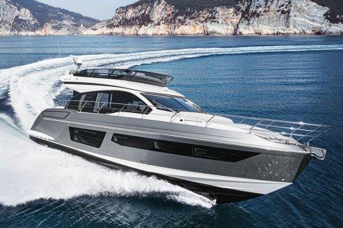 Azimut Yachts' 53 is a Posh Performer