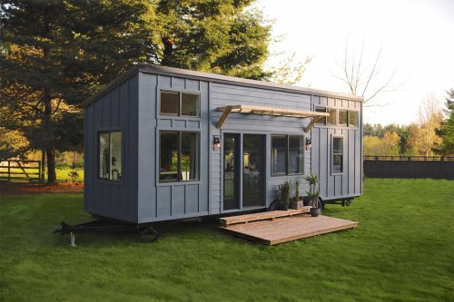 Architectural designs made of shipping containers that exhibit great waste repurposing + sustainable living!
