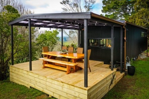 This original tiny home in the countryside is the ultimate freedom from city stress for this couple!