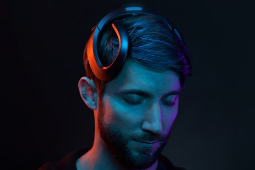 This wearable brain computer is designed to help you focus, increasing your productive workdays!