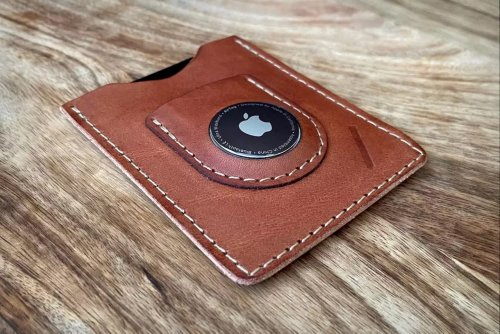 Snapback's MagSafe wallet for your iPhone 12 also comes with its dedicated AirTag slot