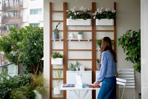 This modular terrace system transforms your balcony into a multifunctional living space!