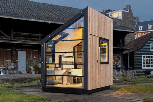 This prefabricated cabin with customization for remote working is a must have home office to survive 2021!