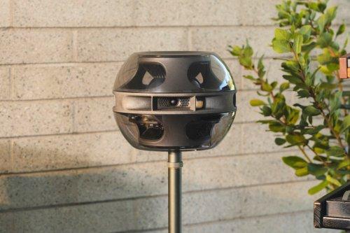 An Ex-Apple designer created this ornamental, almost alien-like Triphonic speaker