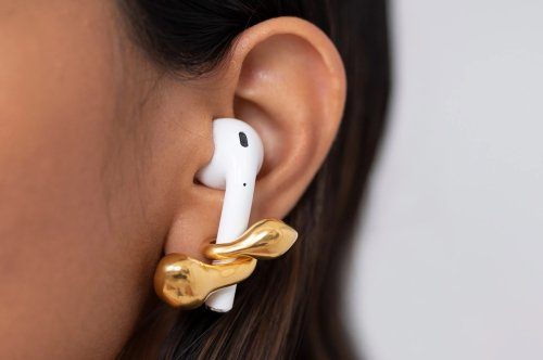 AirPods Accessories that Apple lovers need to get their hands on in 2021!