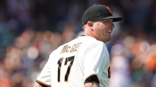 Giants place closer Jake McGee on 10-day injured list with right oblique strain