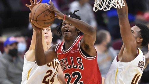 Bulls waive Stanley Johnson, will retain Alize Johnson