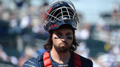 Indians place Austin Hedges on seven-day concussion IL, select contract of Ryan Lavarnway