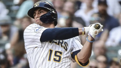 Brewers place Tyrone Taylor on 10-day IL with shoulder strain